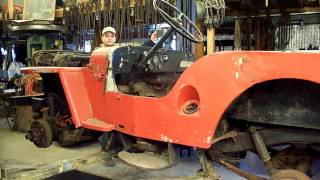 Willys CJ3A disassembly, wheel demounting, steering wheel removal