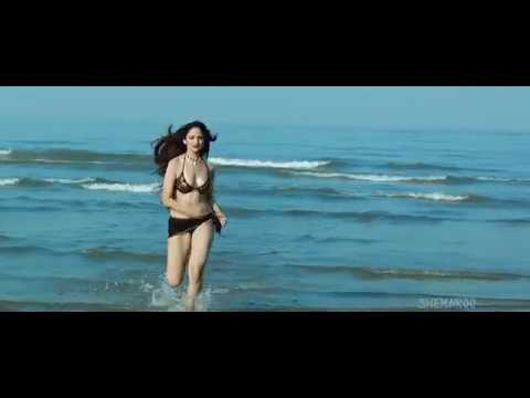Zoya afroz hot bikini..