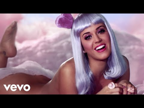 Katy Perry California Gurls Official ft. Snoop Dogg