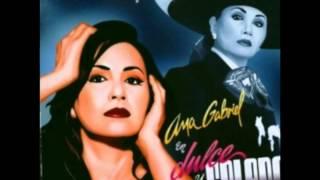 3. La Reina - Ana Gabriel