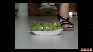 C - SlowMotion 300fps - Grapes 01