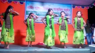 Bangla dance. preme poreche mon preme porech.