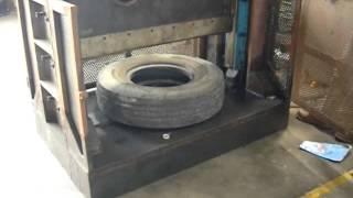Scrap Tyre Cutting Machine