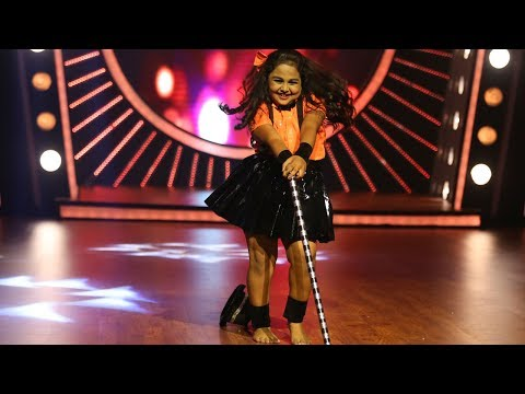 Xxx Mp4 D4 Junior Vs Senior L Glittering Anusree On Stage I Mazhavil Manorama 3gp Sex