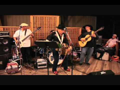 Mingo Saldivar live Austin Wholesale Sacate Los Piojos Chencha Austin TX 2011