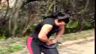 أقوى إمرأة فى العالم -  فيديو رهيب