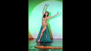 Emotional bellydance and hot drums with YELA