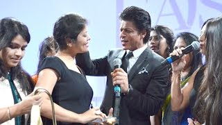 Shahrukh Khan's FUNNY Moments With Audience