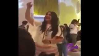 شاهد الفنانة احلام  ترقص على انغام محمد عبده في حفلة خاصة
