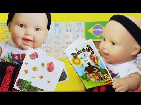 Mini Miudinhas na Escola - Lilly Doll