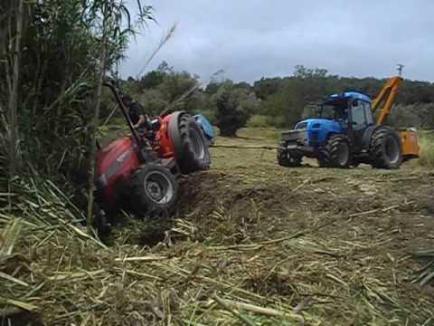 recuperato il trattore finito nel fosso
