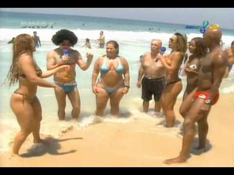 Pânico na TV Sabrina Sato e Viviane Araújo Praia de Ipanema 2009