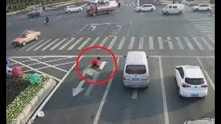 Chinese man caught painting his own road signs