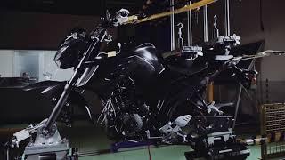 Yamaha FZ25 - Desarrollo