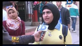 العاشرة مساء شخص يعلق لافتة عليها لفظ خارج لحبيبته فى كفر الشيخ بمناسبة عيد الحب