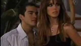 Anahí en Rebelde - 1ª Temporada Capítulo 160 - Mia y Miguel se besan en la escada