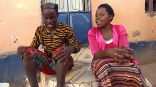 Mbwene akitongoza mwanamke