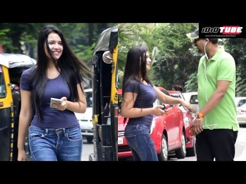 Hot Girl Sticky Handshake Prank | iDiOTUBE