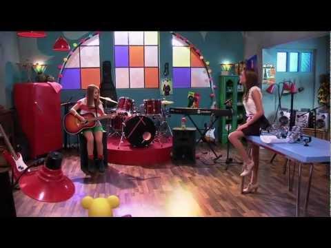Violetta Lena y las chicas cantan Veo veo