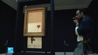 بيع لوحة للفنان بانكسي بأكثر من مليون يورو بعد تمزقها!