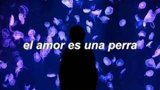 Two Feet - Love Is A Bitch (Español)