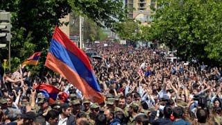 الآلاف يتظاهرون في أرمينيا مع استمرار الأزمة السياسية