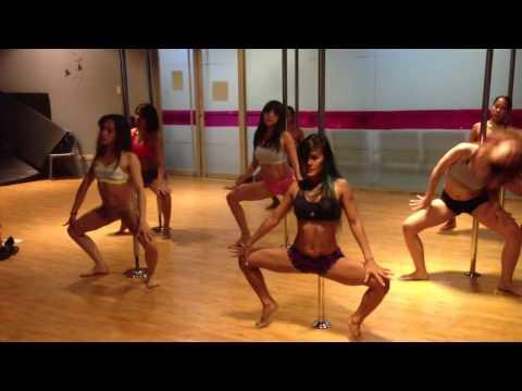 Naughty Girl - Beyoncé Pole Dance