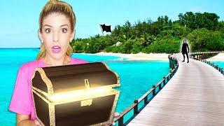 Found Underwater Sunken Treasure Chest while Exploring Game Master Island