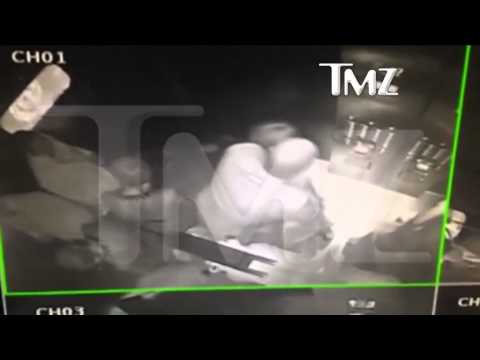 JAY Z BEAT UP BY Beyonce's younger sister! #REAL