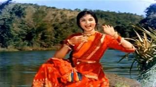 Dhoondo Dhoondo Re Sajna - Lata - Ganga Jamuna (1961) - HD