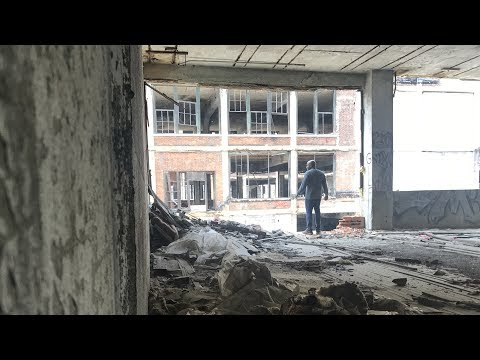 Exploring the Historic and Decaying Packard Plant: Bike Life Detroit