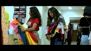 Snegithiye - Jyothika steals from the shop