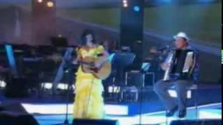 Paula Fernandes e Dominguinhos Caminhoneiro Ao Vivo  Roberto Carlos Emoções Sertanejas 2010