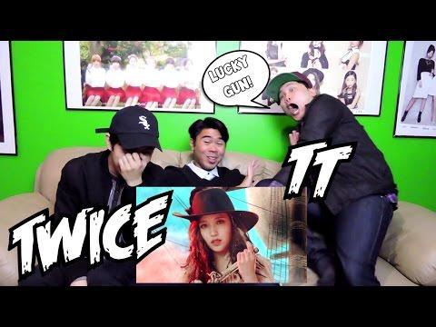 TWICE - TT MV REACTION FUNNY FANBOYS