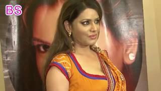 Bengali Bhabhi In Sexy Saree At Saraswati puja