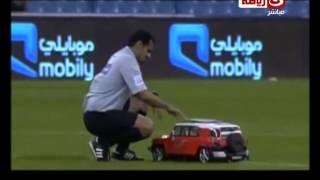 برنامج ملاعب العرب| أغرب طريقة لدخول الكرة أرضية الملعب بالدوري السعودي