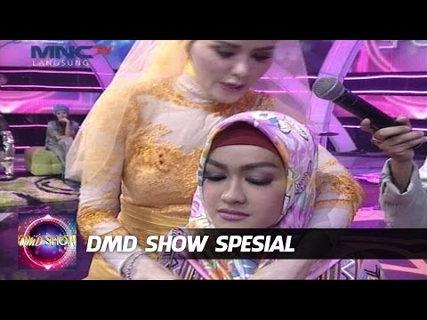 Julia Perez Dipakein Hijab - DMD Show Spesial (1/7)