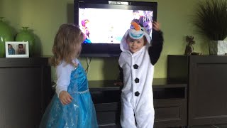 Funny frozen twins tell Mummy to