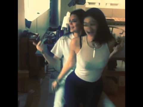 Kylie and Kendall Jenner twerk