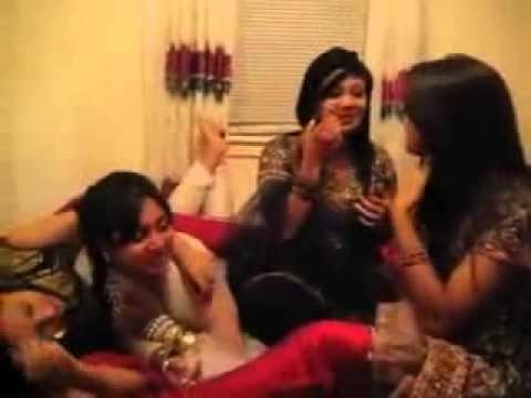 Beautiful Pakistani Desi Girls Kissing HD]