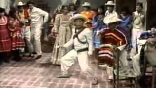 44 b) Chespirito 1980 - Chespirito - Las coplas rancheras (HQ)