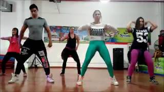 NO ES ILEGAL Not A Crime   Daddy Yankee   Easy Dance Fitness Choreography   Zu1