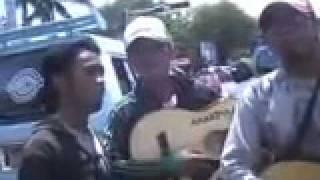 Anak Pulau- SENYUM SAHABAT( lagu asli anak PADANG) donie shakire & anakpulau.mp4