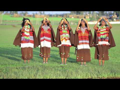 Kedija Hajji - Ee Dulli Sirbaf Walgahe - Oromo Traditional Music Video