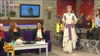Yeni Gün (Mersin Yöresi/Defile) - TRT Avaz