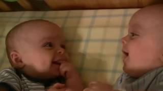 En komik bebek videoları