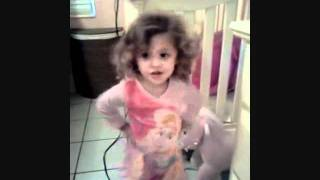 little girl dancing and singing shake your booty lol