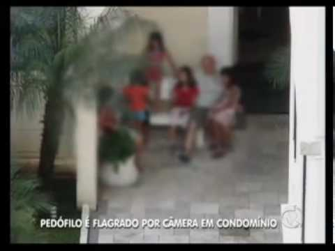 Moradores flagram ação de pedófilo em condomínio de Taboão da Serra SP