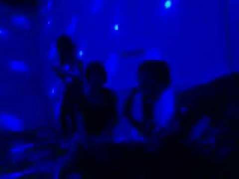 Thác loạn karaoke