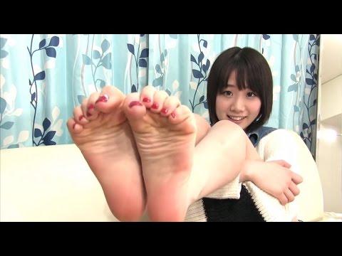 Cute Japanese girl shows feet